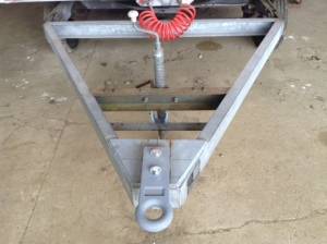 Our heavy duty towbar now in place - you wouldn't want that on your toe....
