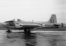 XS186 in the rain at Finningley 1967