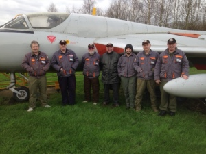 The crew in front of the beautiful Hunter T7, at the end of a great day!